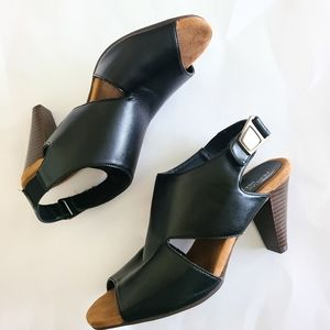 Aerosoles heelrest  cutout  heeled sandals